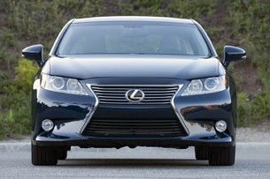 2013 Lexus ES 350 front view