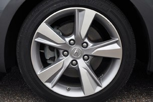 2013 Acura ILX wheel