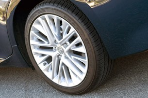 2013 Lexus ES 350 wheel