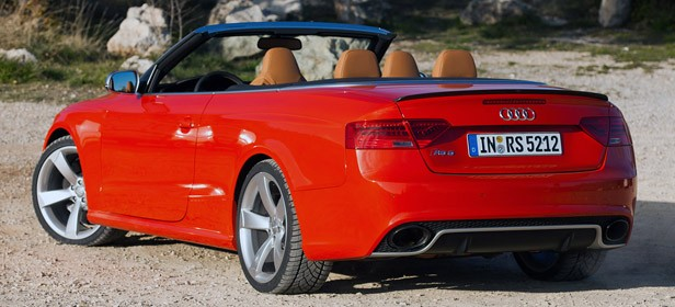 2014 Audi RS5 Cabriolet rear 3/4 view