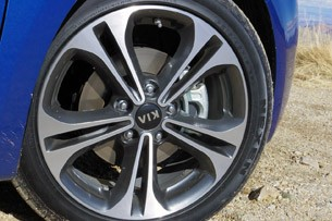 2014 Kia Forte wheel