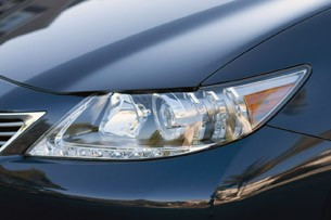 2013 Lexus ES 350 headlight