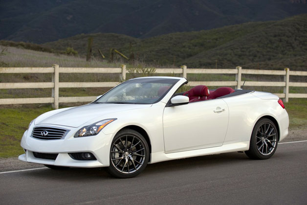 2013 Infiniti IPL G Convertible - front three-quarter, white