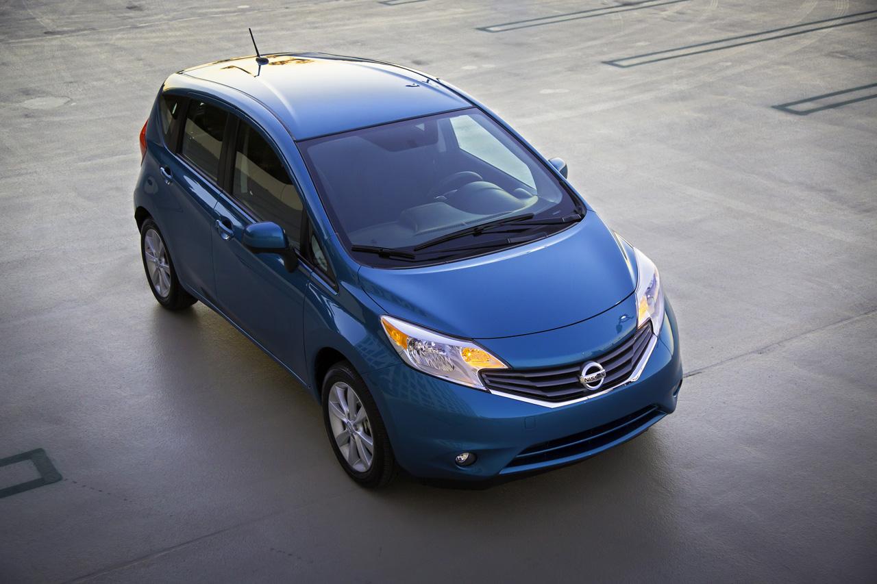nissan versa note. Black Bedroom Furniture Sets. Home Design Ideas