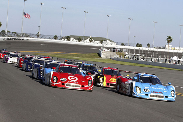 The 2013 Rolex 24-hour race at Daytona comes down to the last hour [spoilers, w/video]