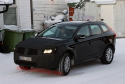 Volvo XC60 prototype caught testing