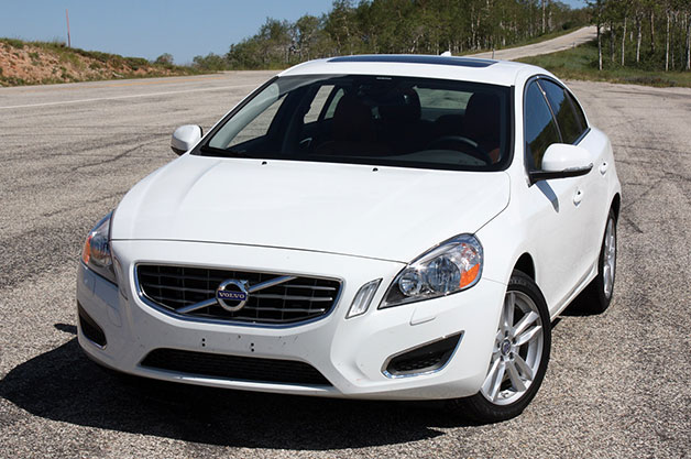 2013 Volvo S60 T5 AWD - white - front three-quarter view