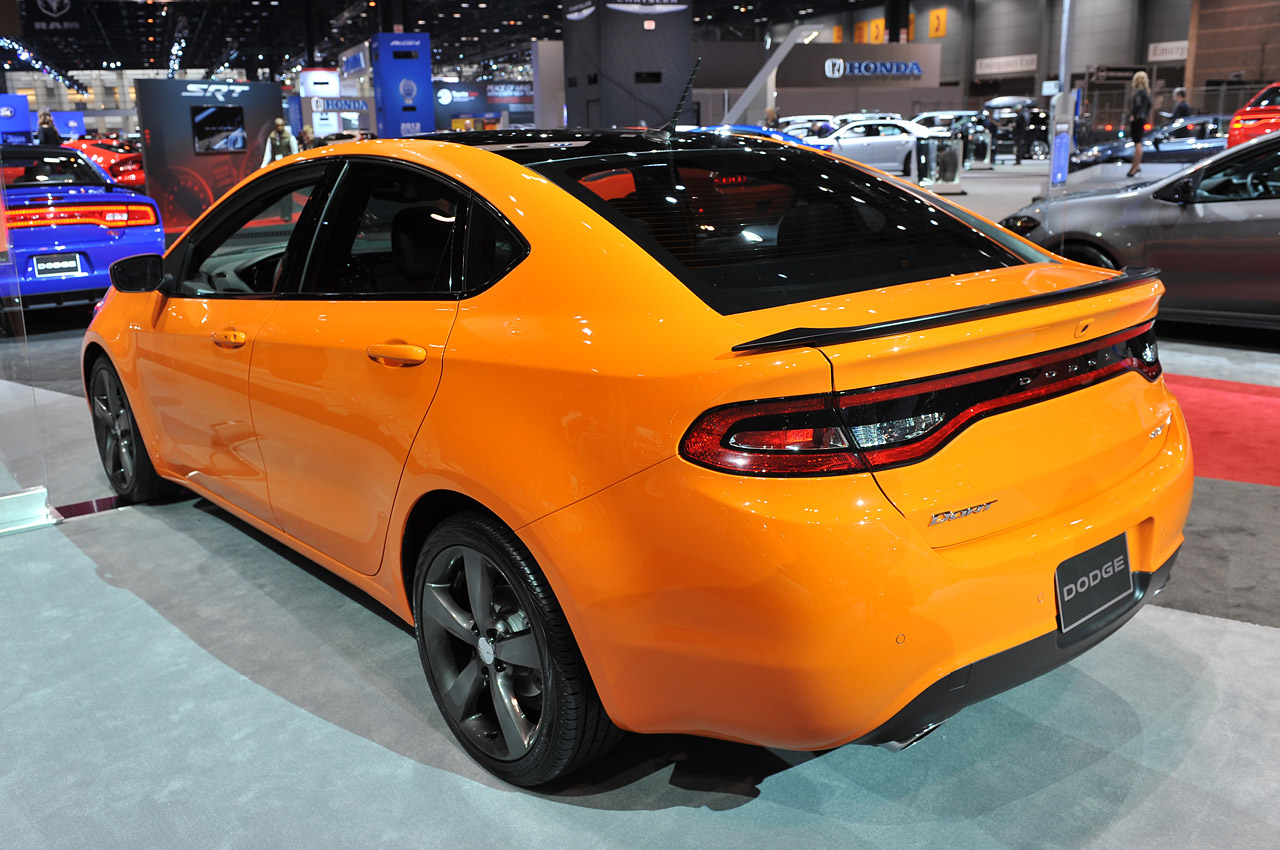 2013 dodge dart gets all moparized autoblog. Black Bedroom Furniture Sets. Home Design Ideas