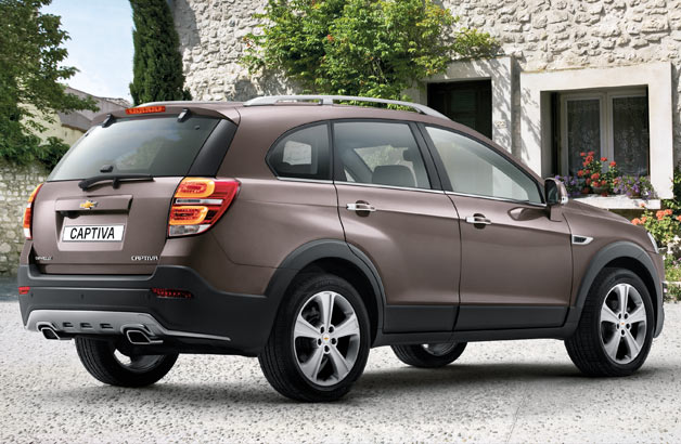 2014 Chevrolet Captiva - rear three-quarter view