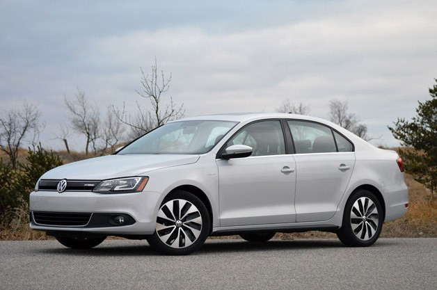 2013 Volkswagen Jetta Hybrid - front three-quarter view
