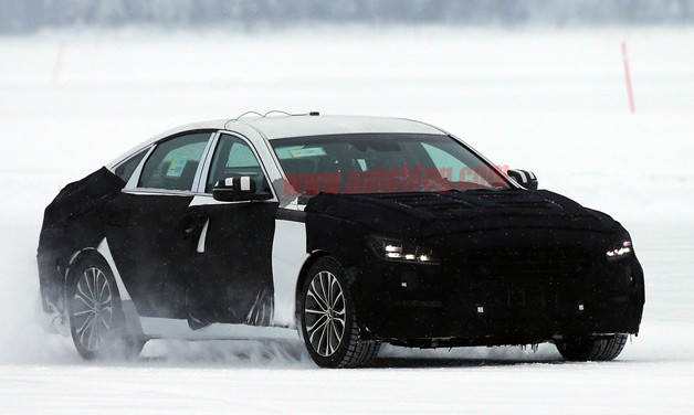 2014 Hyundai Genesis sedan caught cold weather testing - disguised spy shot