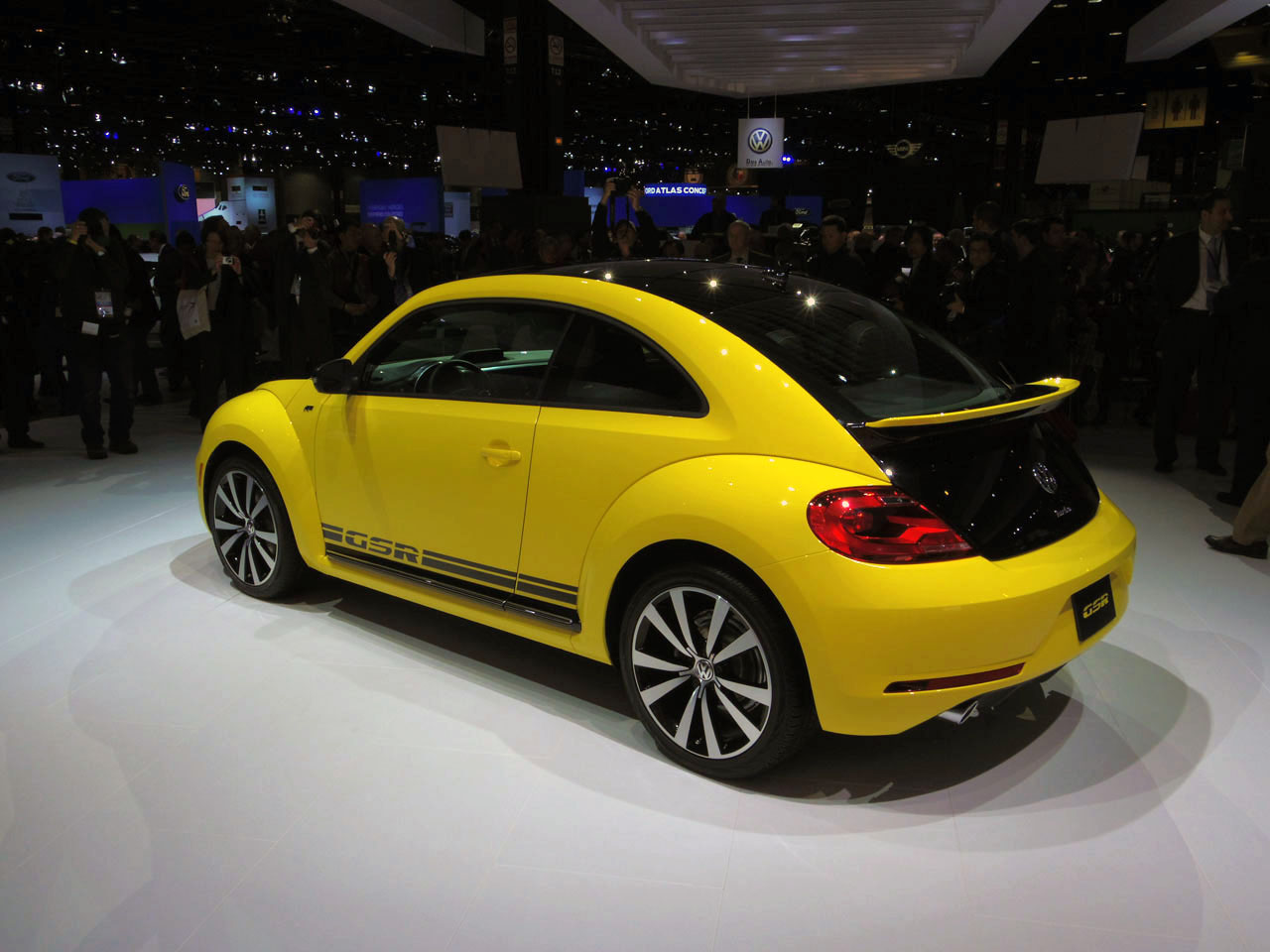 2014 Volkswagen Beetle GSR is black and yellow, black and yellow - Autoblog