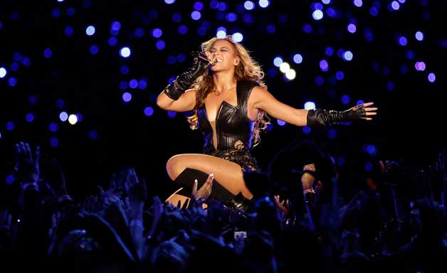 Beyonce live at Super Bowl halftime performance