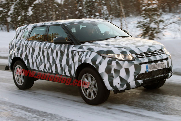 Next-gen Land Rover LR2 spotted… unless it's a LWB Evoque