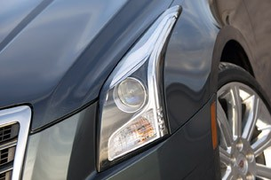 2013 Cadillac ATS 3.6 AWD headlight