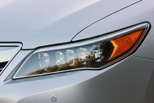 2014 Acura RLX headlight