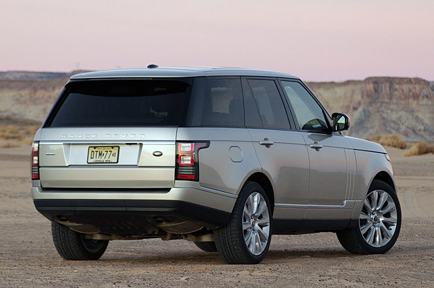 2013 Land Rover Range Rover rear 3/4 view