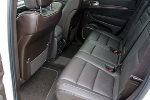 2014 Jeep Grand Cherokee EcoDiesel rear seats