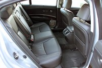 2014 Acura RLX rear seats