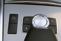 2014 Mercedes-Benz E-Class center console