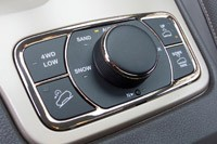2014 Jeep Grand Cherokee EcoDiesel drive mode controls