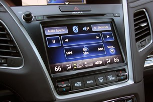 2014 Acura RLX audio and climate control display