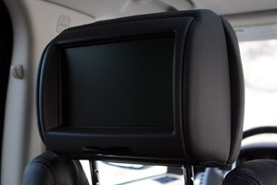 2013 Land Rover Range Rover rear seat monitor