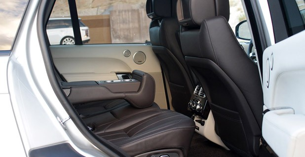 2013 Land Rover Range Rover rear seats