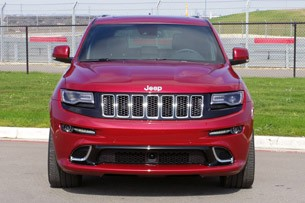 2014 Jeep Grand Cherokee SRT front view