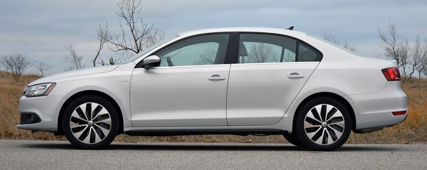 2013 Volkswagen Jetta Hybrid side view