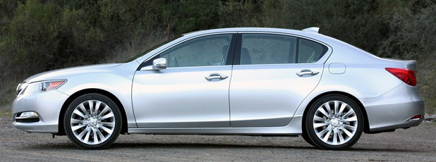 2014 Acura RLX side view