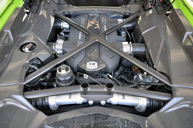 2013 Lamborghini Aventador LP 700-4 Roadster engine