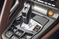 2014 Jaguar F-Type shifter