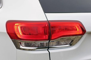 2014 Jeep Grand Cherokee EcoDiesel taillight