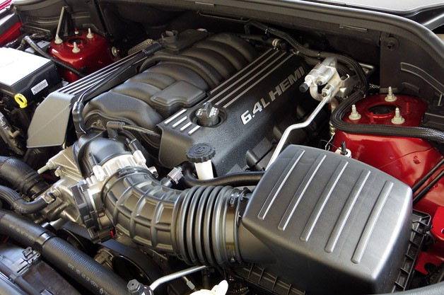 2014 Jeep Grand Cherokee SRT engine