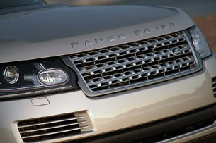 2013 Land Rover Range Rover grille