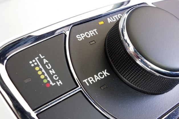 2014 Jeep Grand Cherokee SRT drive mode controls