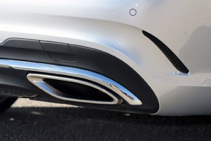 2014 Mercedes-Benz E-Class exhaust tip