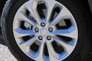 2014 Kia Sorento wheel