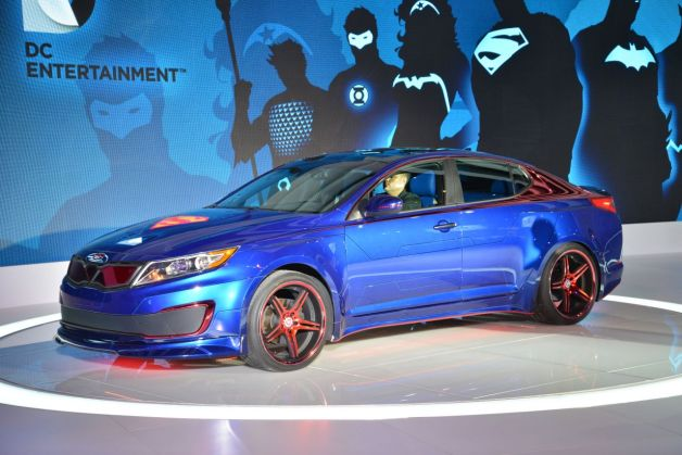 2013 Kia Optima Hybrid Superman concept - live at 2013 Chicago Auto Show reveal