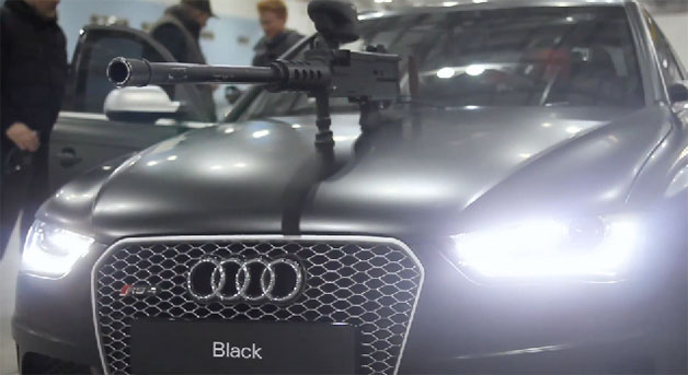 Audi RS4 Avant with paintball gun mounted on hood - video screencap