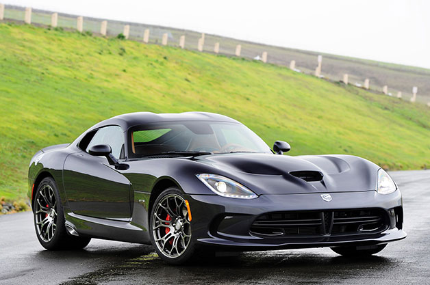 2014 SRT Viper - front three-quarter view in the wet