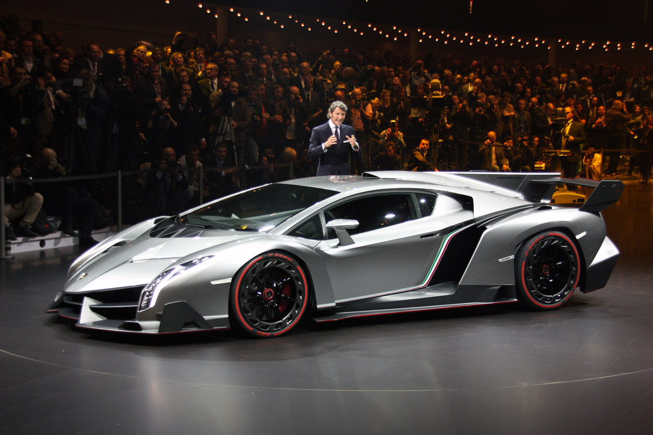 lamborghini veneno finally officially unveiled autoblog. Black Bedroom Furniture Sets. Home Design Ideas