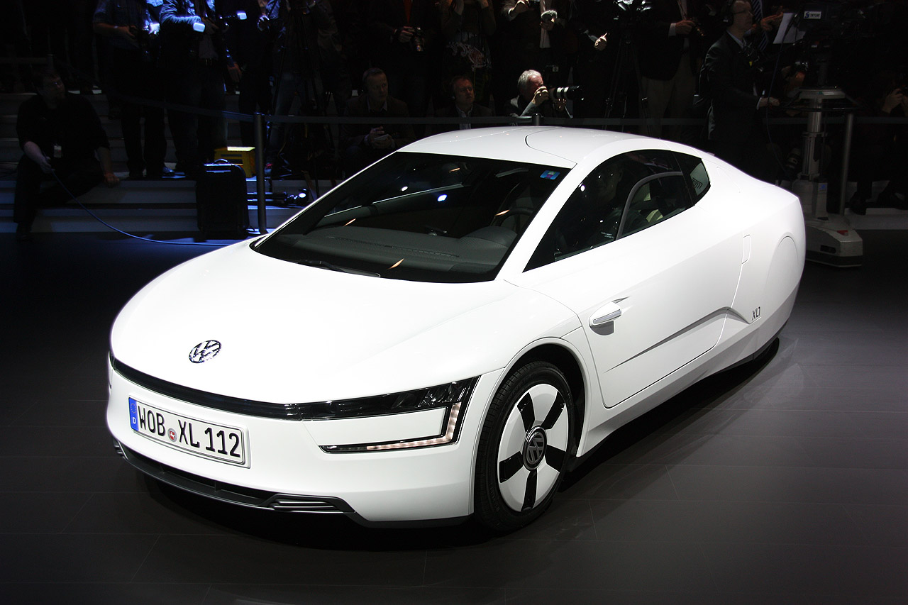 volkswagen xl1 geneva 2013 photo gallery autoblog. Black Bedroom Furniture Sets. Home Design Ideas