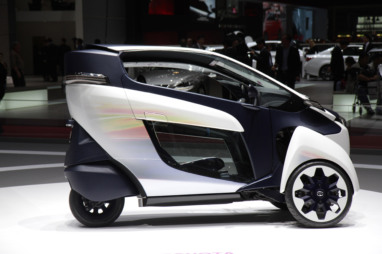 toyota confirms i road electric trike for production autoblog. Black Bedroom Furniture Sets. Home Design Ideas