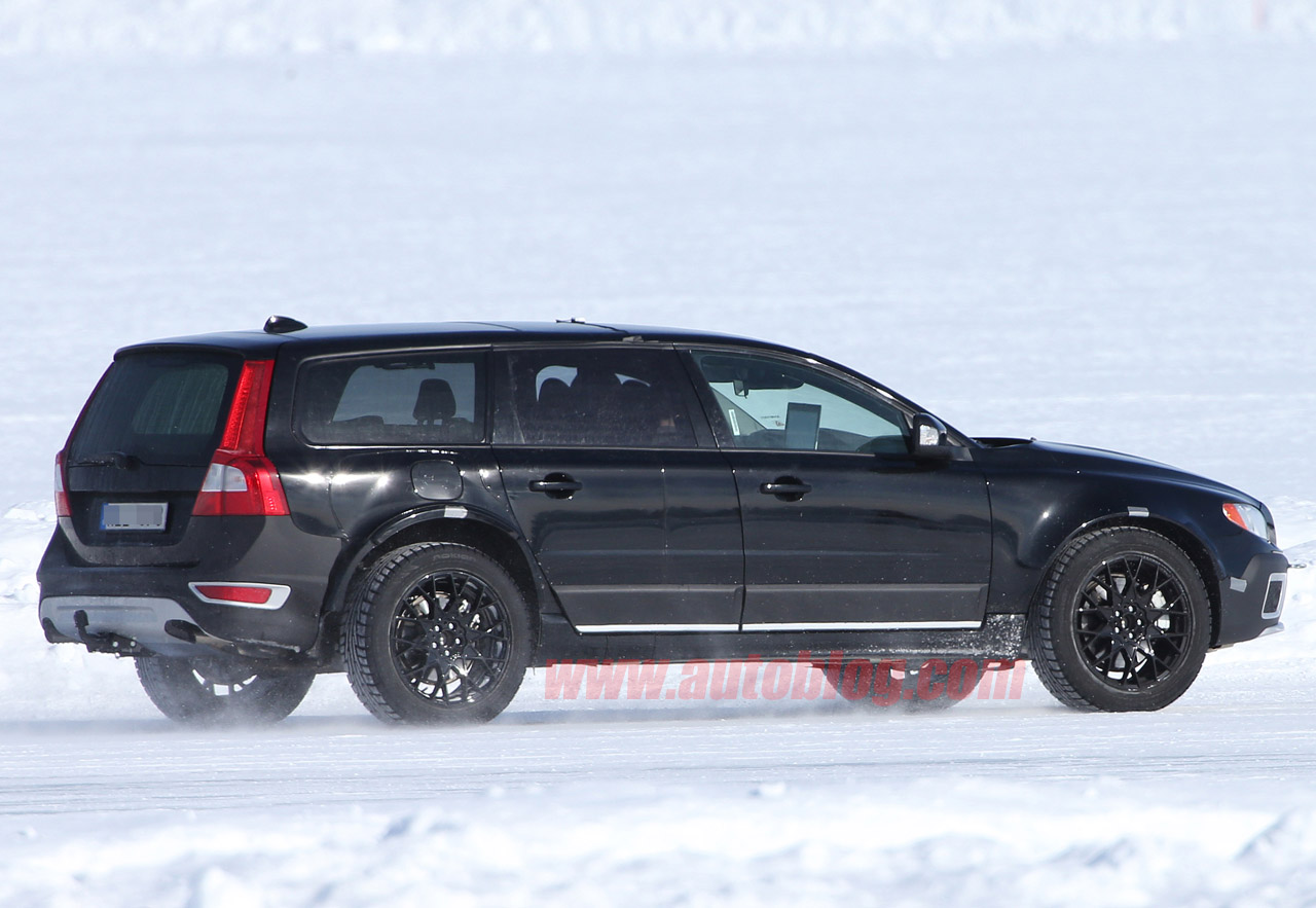2015 volvo xc90 spy shots photo gallery autoblog. Black Bedroom Furniture Sets. Home Design Ideas