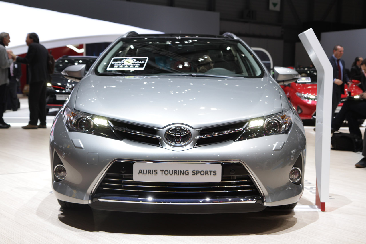 Toyota Auris Touring Sports Is A Handsome Prius V