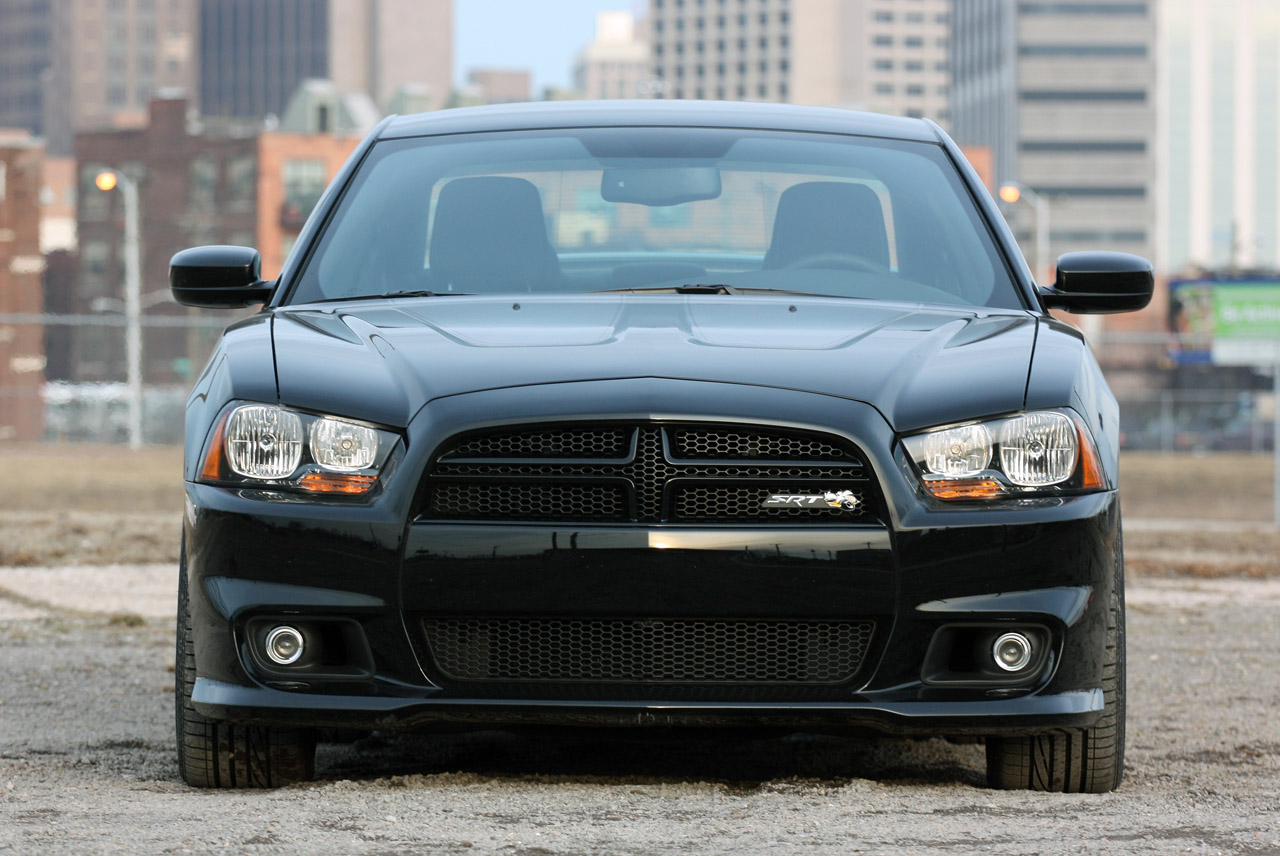 2013 dodge charger srt8 super bee quick spin photo gallery autoblog. Cars Review. Best American Auto & Cars Review