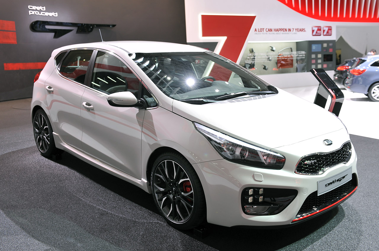 2013 kia cee 39 d gt geneva 2013 photo gallery autoblog. Black Bedroom Furniture Sets. Home Design Ideas