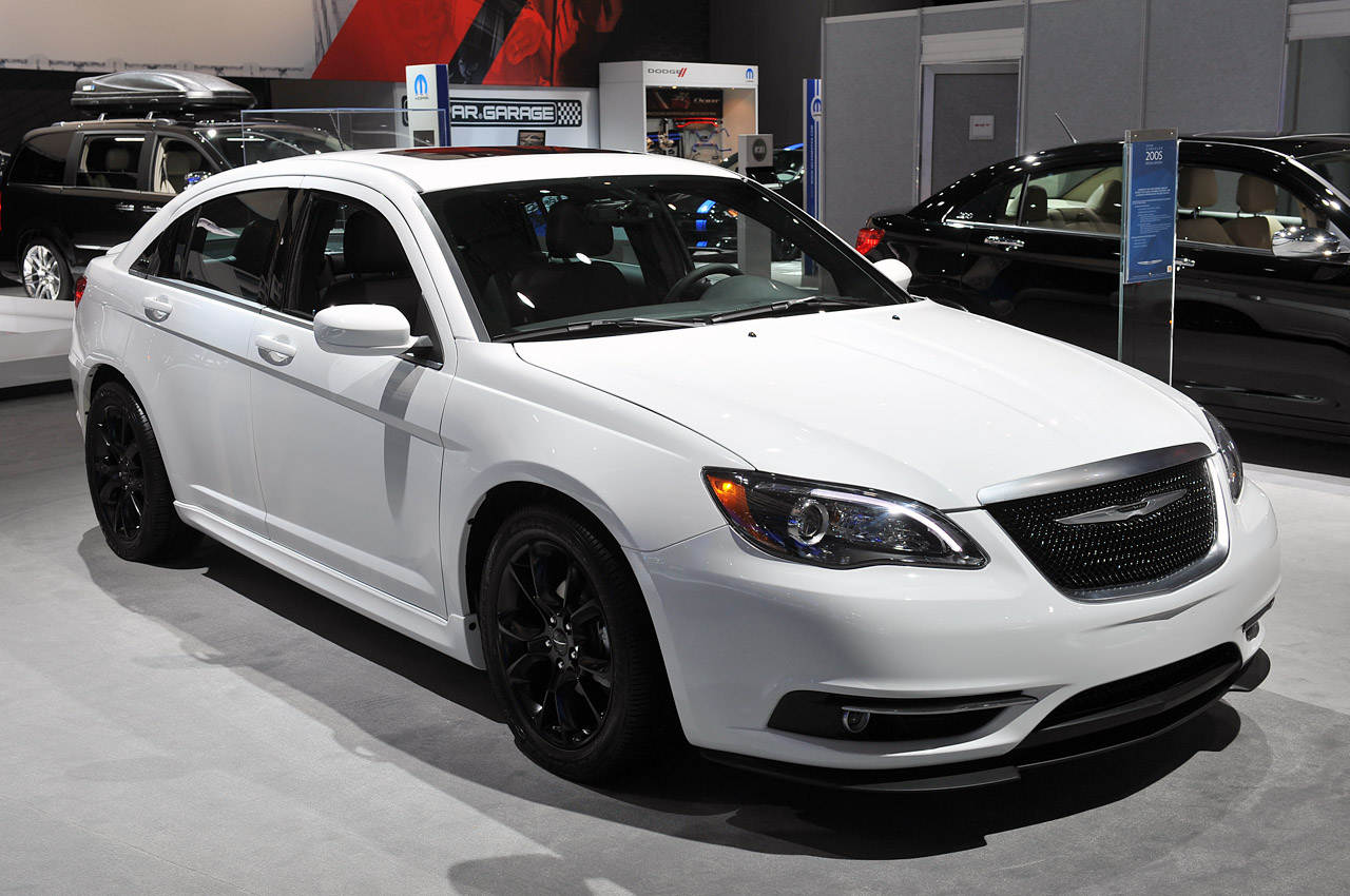 2012 Chrysler 200 Grill >> 2013.5 Chrysler 200 S Special Edition is a Sebring swan ...